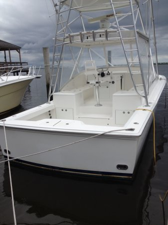 One of the greatest innovations ever in boating with car-like handling and maneuvering, joystick for easy docking plus dramatically increased efficiency compared to inboard shafts.