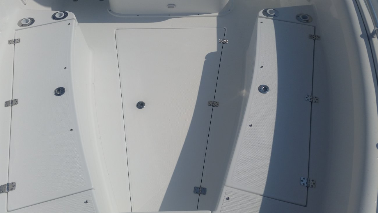A 28 CENTER CONSOLE is a Power and could be classed as a Center Console,  or, just an overall Great Boat!
